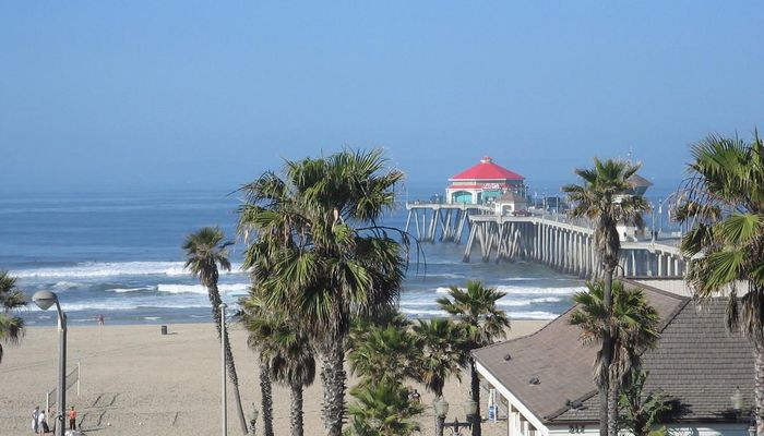 Retail Space for Rent at 300 Pacific Coast Hwy Huntington Beach, CA 92648 - #3
