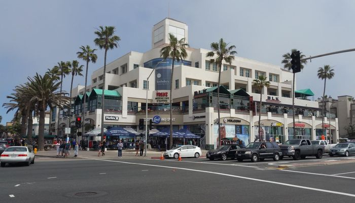 Retail Space for Rent at 300 Pacific Coast Hwy Huntington Beach, CA 92648 - #2