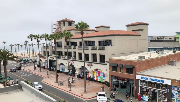 Retail Space for Rent at 122-124 Main St Huntington Beach, CA 92648 - #2