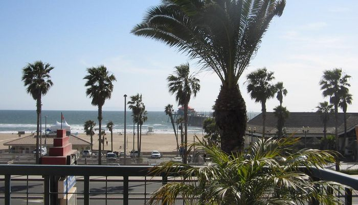 Retail Space for Rent at 300 Pacific Coast Hwy Huntington Beach, CA 92648 - #4