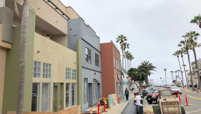 Retail Space for Rent at 122-124 Main St Huntington Beach, CA 92648 - #1